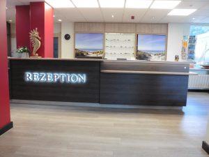 Rezeption Aura Hotel Timmendorf Stand